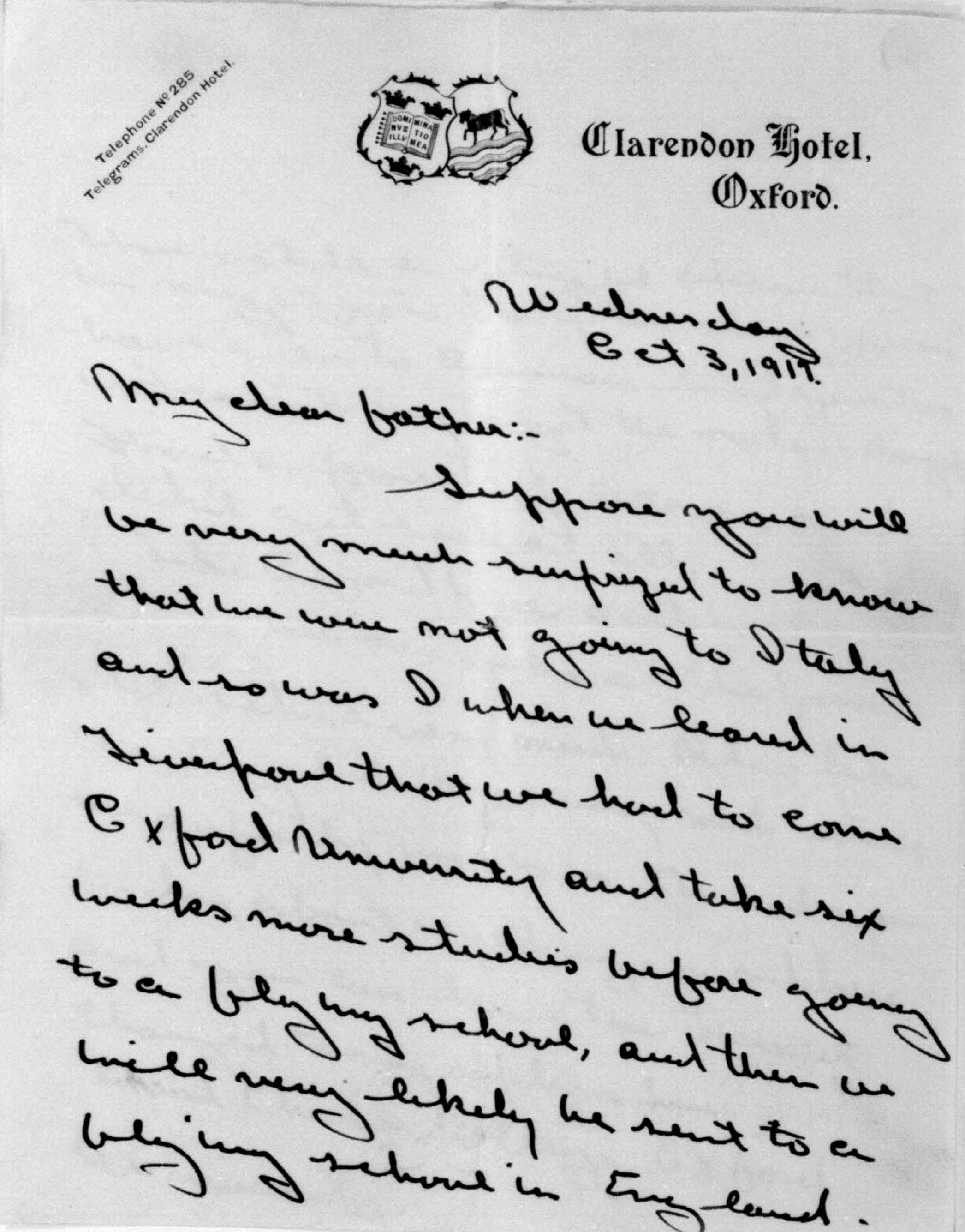 First page of a letter dated October 3, 1917, on Clarendon Hotel Oxford letterhead from Fry to his father telling him he will not go to Italy but will stay in England.